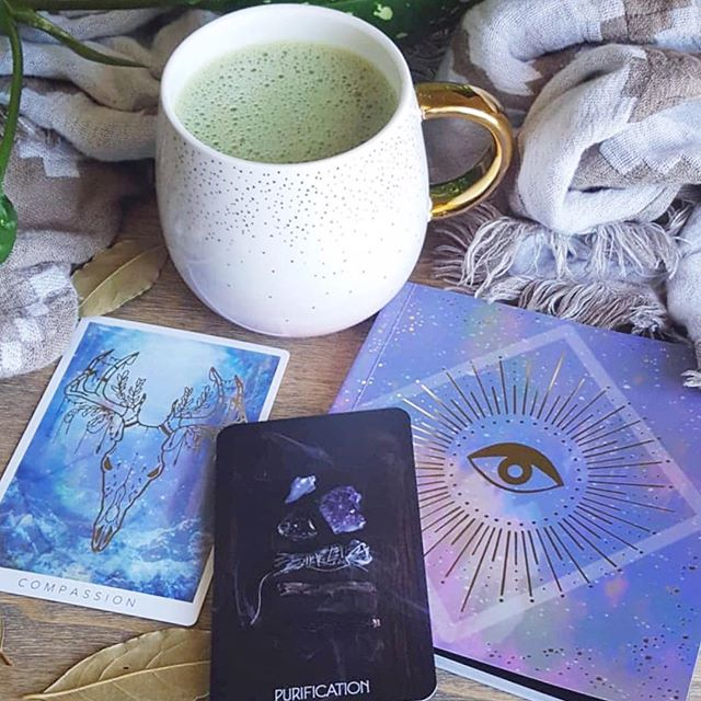 Snapshot of heaven from @myy.riam 😍 . Deck is @thethreadsoffate - you can buy by clicking the link in our bio 💞 #fateweavers . . . . #tarot #oracledeck #tarotdeck #tarotreadersofig #oraclereadersofinstagram #metaphysical #witchy #spiritual #witchesofinstagram #witches #fateweavers