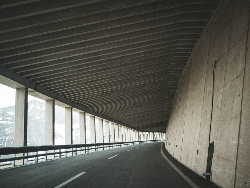 architecture-asphalt-austria-1145364.jpg