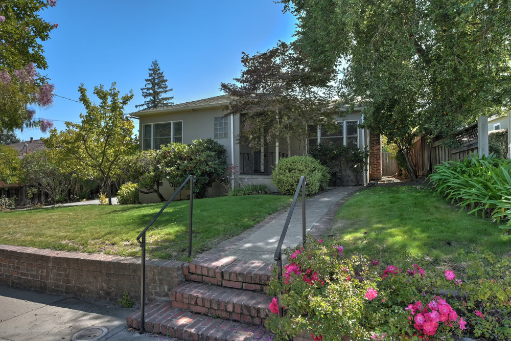 2439 Brewster Ave, Redwood City, CA   $1,750,000