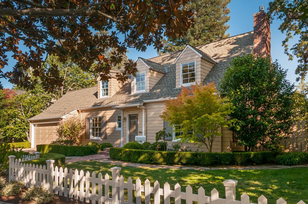 899 Blandford Blvd, Redwood City, CA   $2,795,000