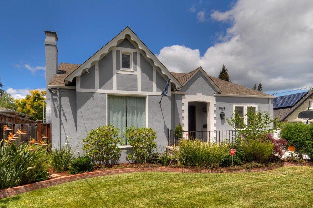 1924 Eaton Ave, San Carlos, CA  $2,220,000