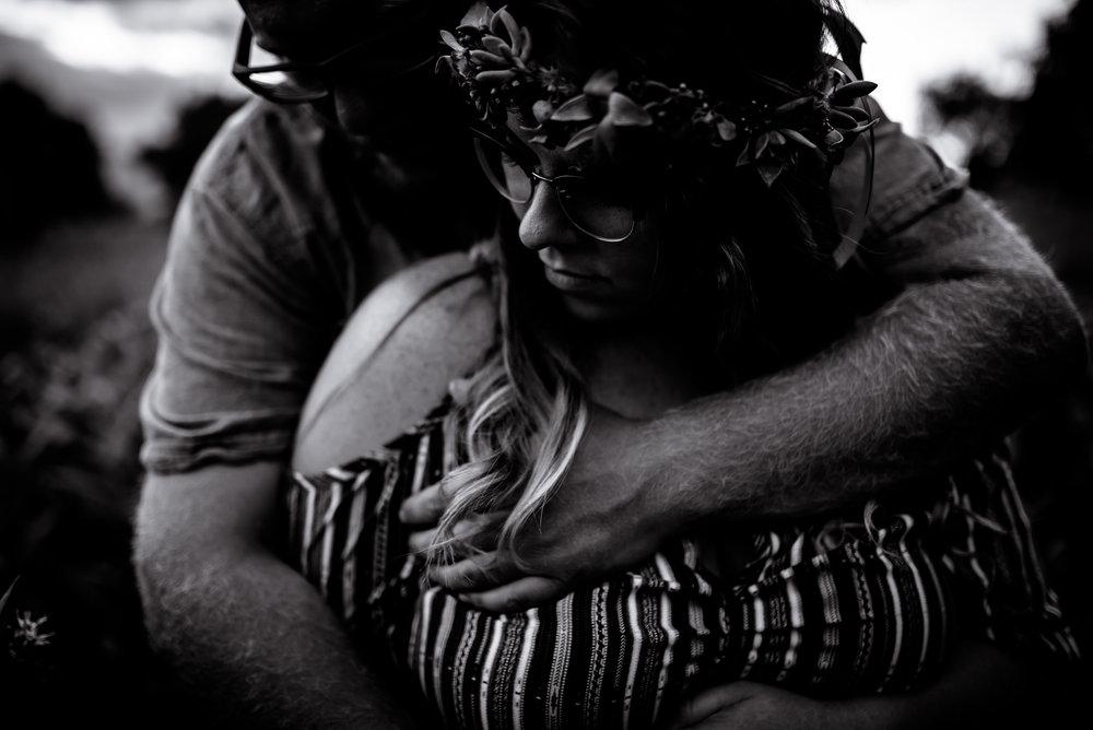 organic light photography couples maternity (8).jpg