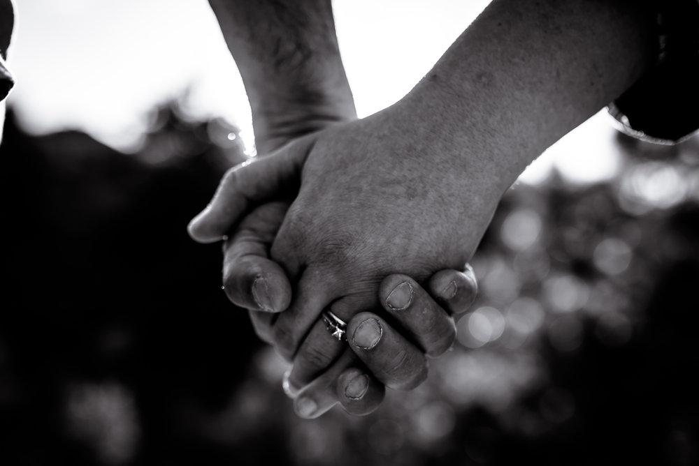 organic light photography couples maternity (18).jpg