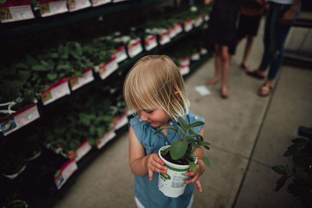 colorado springs family lifestyle gardening photography-16.jpg