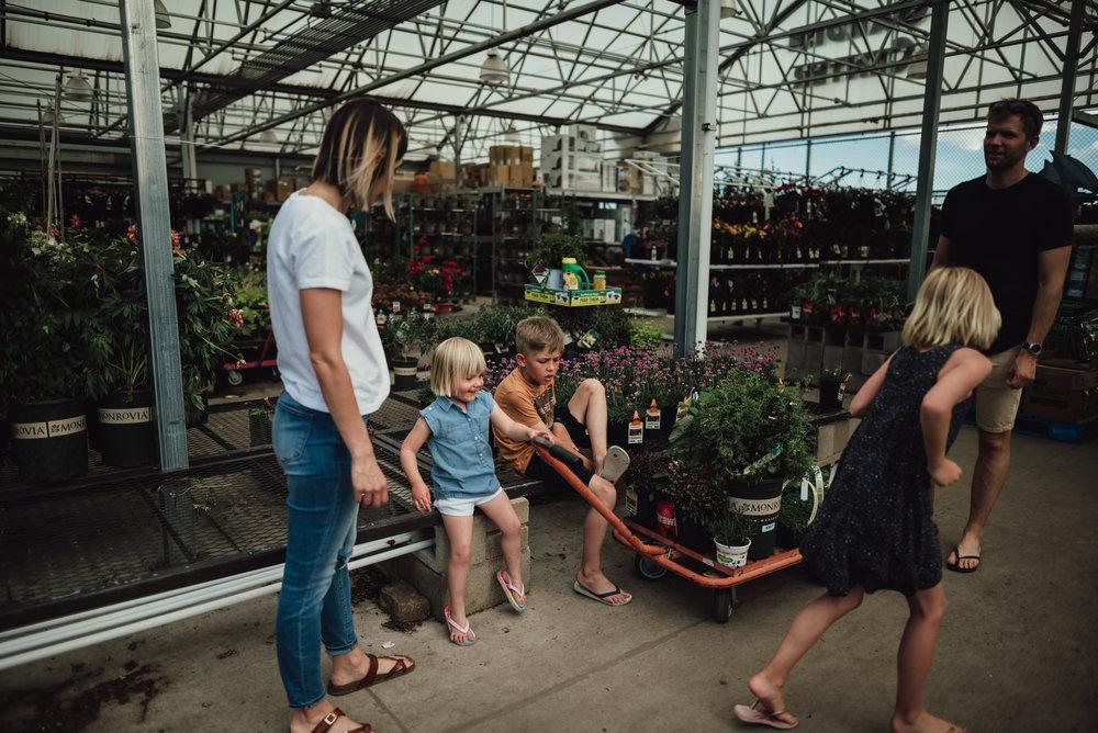 colorado springs family lifestyle gardening photography-26.jpg