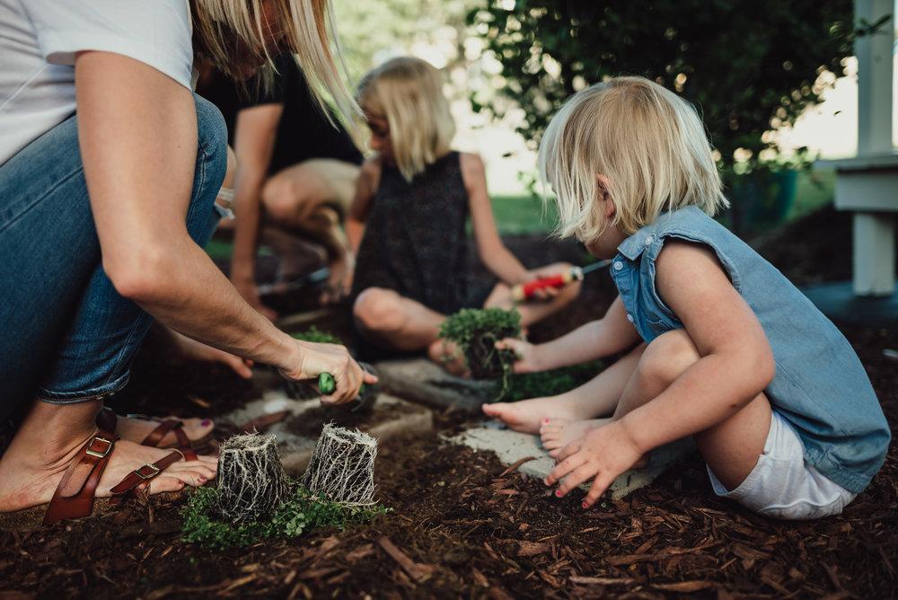 colorado springs family lifestyle gardening photography-30.jpg