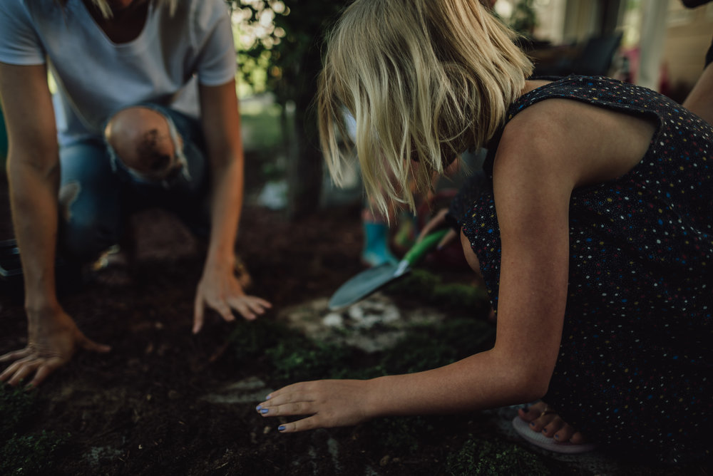 colorado springs family lifestyle gardening photography-48.jpg