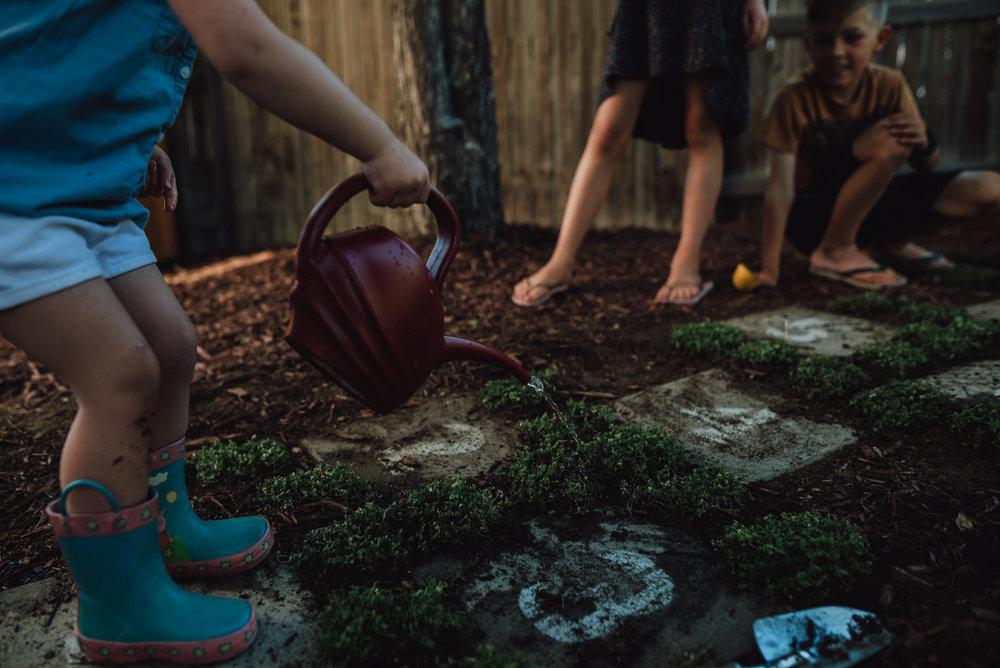colorado springs family lifestyle gardening photography-50.jpg