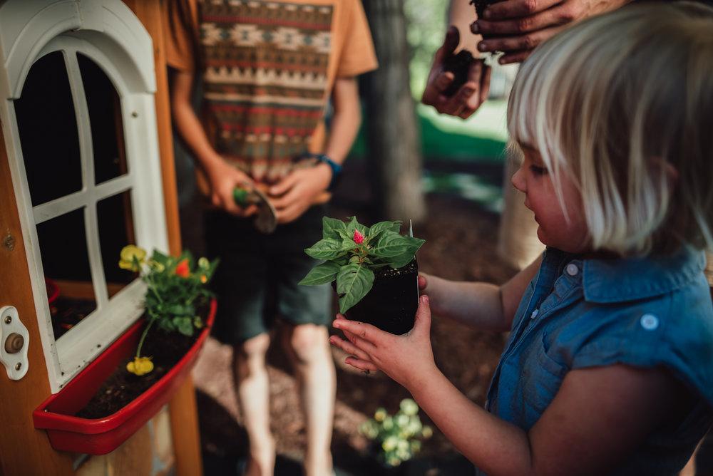 colorado springs family lifestyle gardening photography-52.jpg