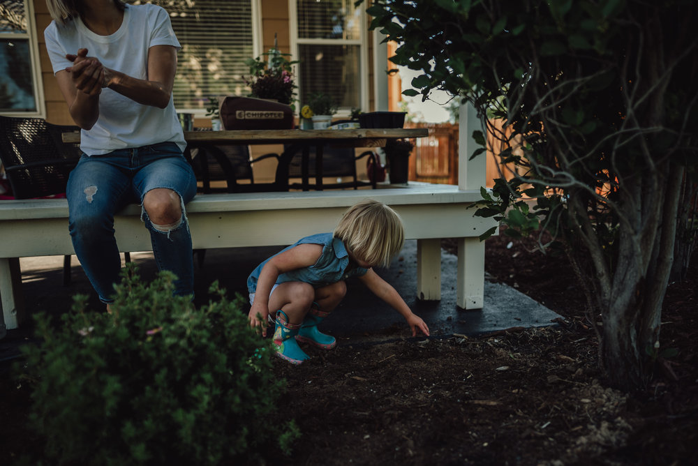 colorado springs family lifestyle gardening photography-63.jpg