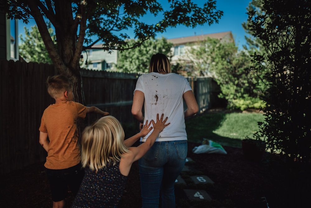 colorado springs family lifestyle gardening photography-79.jpg