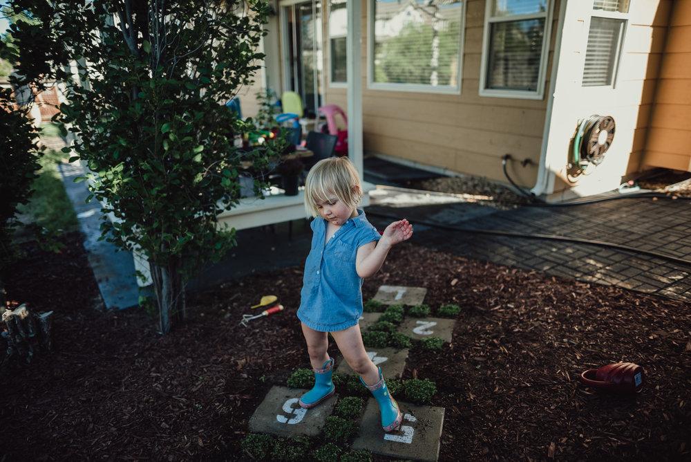 colorado springs family lifestyle gardening photography-88.jpg