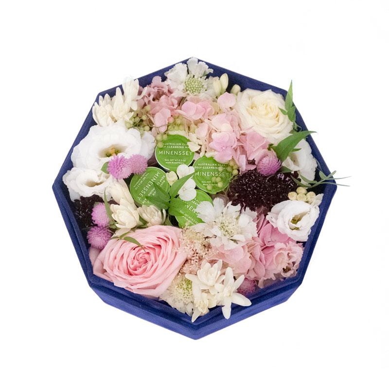 Minenssey_Valentines_Day_Special_Floral_Box_1.jpg