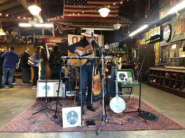 @parkersmithmusic provided great tunes yesterday, but if you missed him do not worry! Parker is back today! Come meet this great gentleman at #2ndhandrevival from Noon till 7. Rain or Shine!