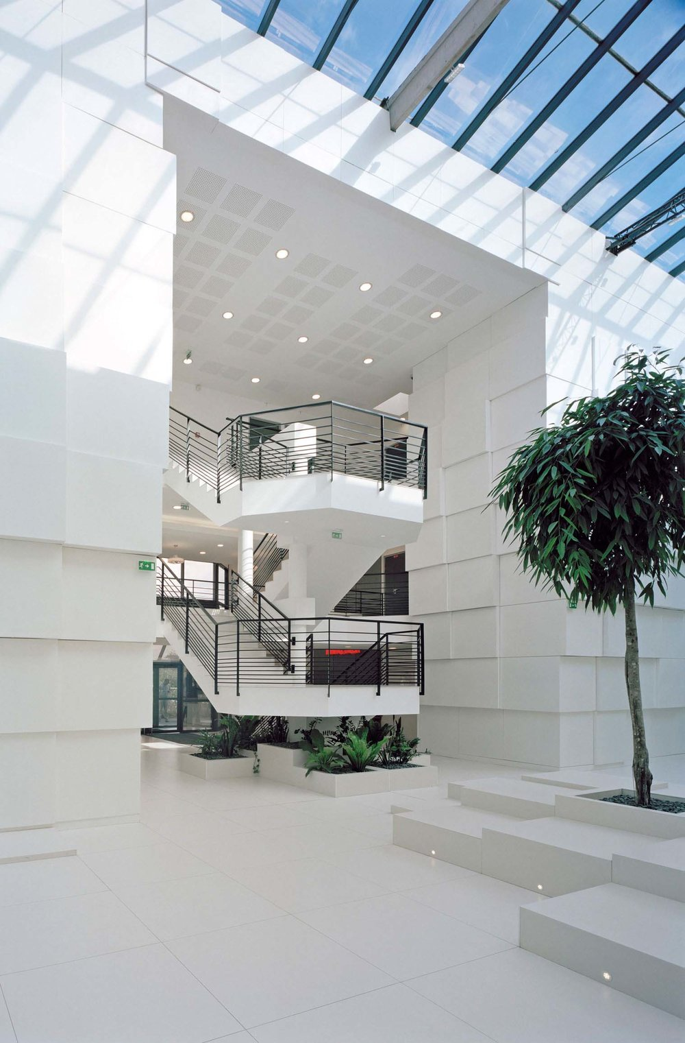 DC3 data center illiad xavier niel ar studio d'architectures (4).jpg