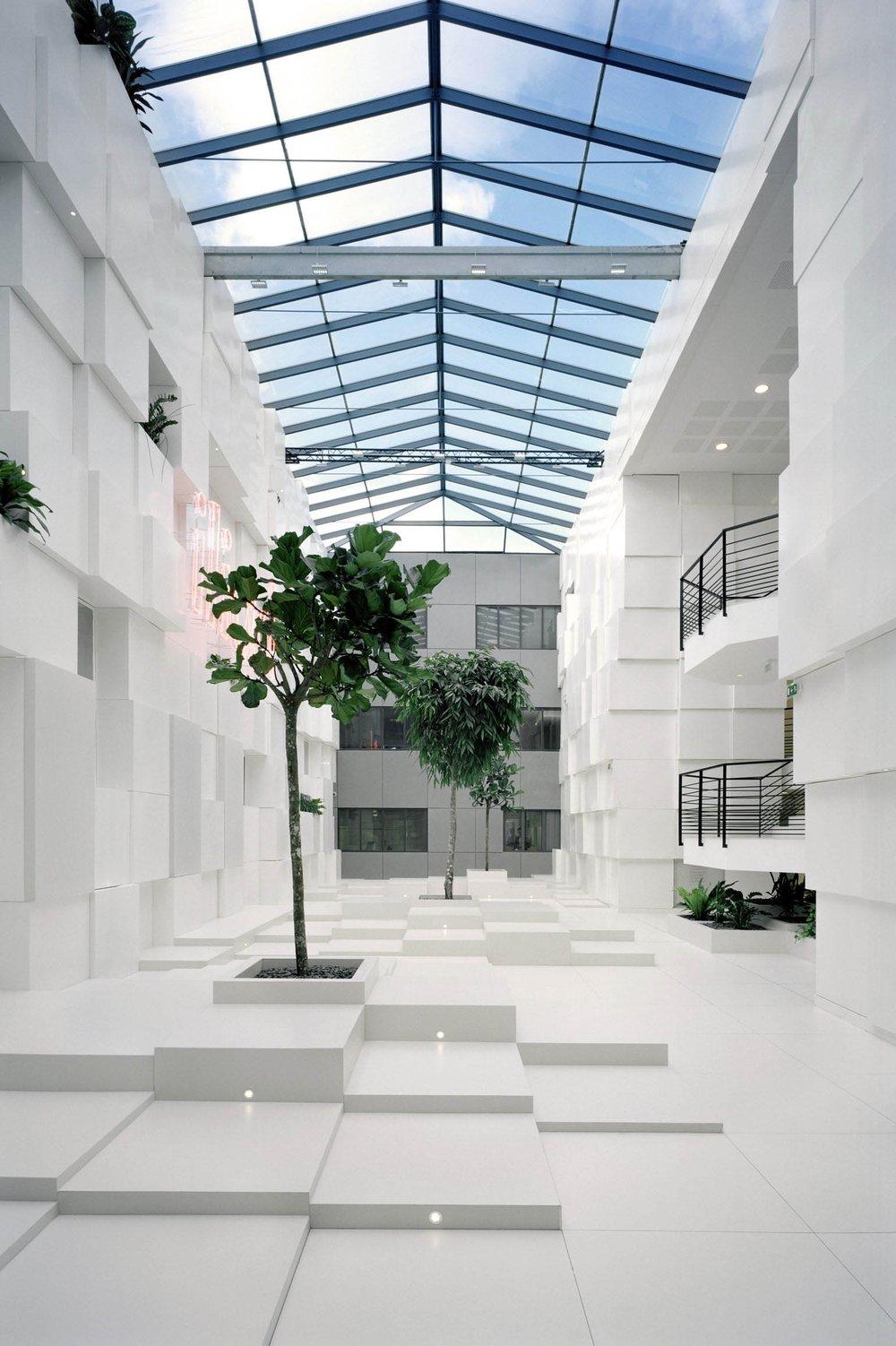 DC3 data center illiad xavier niel ar studio d'architectures (1).jpg