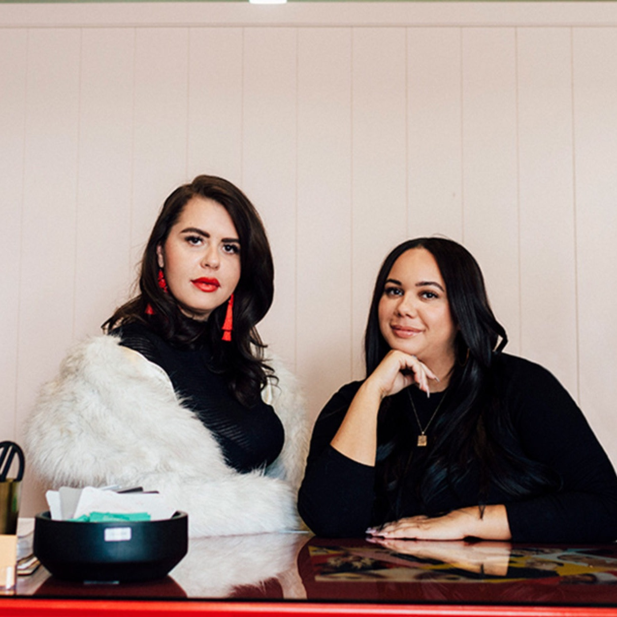 GO BLUSH YOURSELF | KENDRA & COURTNEY OF GBY BEAUTY