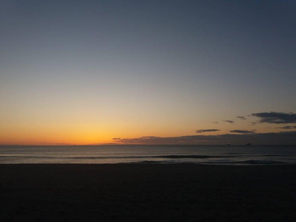 Soluppgång över havet på väg till jobbet.