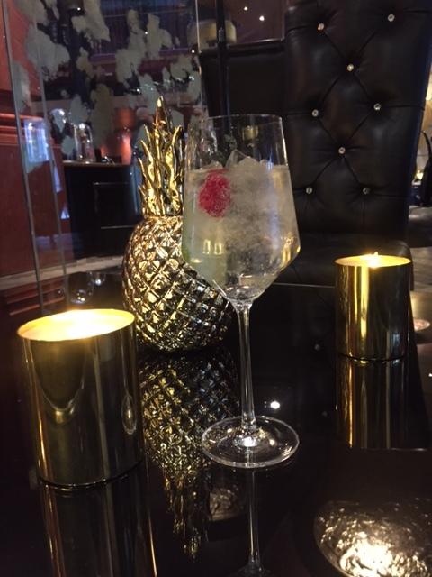 Bon-plan-afterwork-hotel-Banke-cocktail-gin-elisa-les-bons-tuyaux.JPG