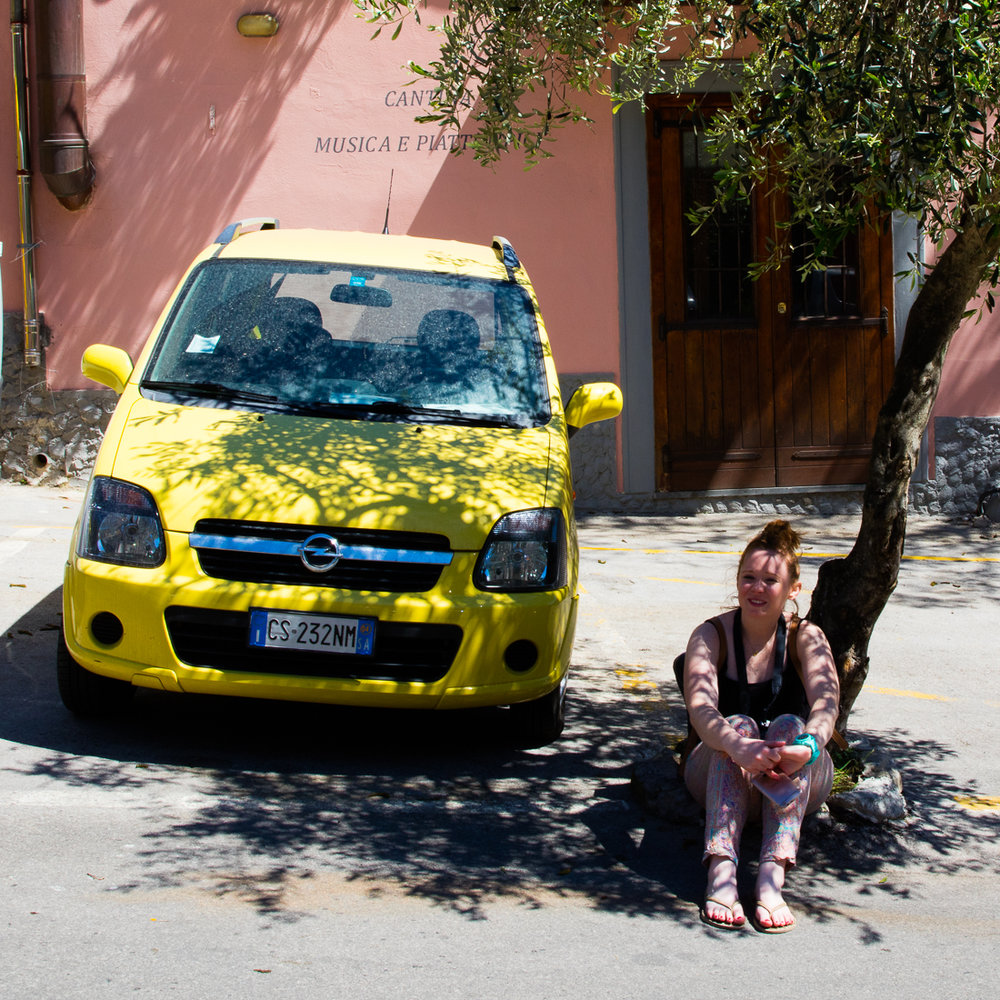 Amalfi Apr 16 misc yellow sqrs low res-11.jpg