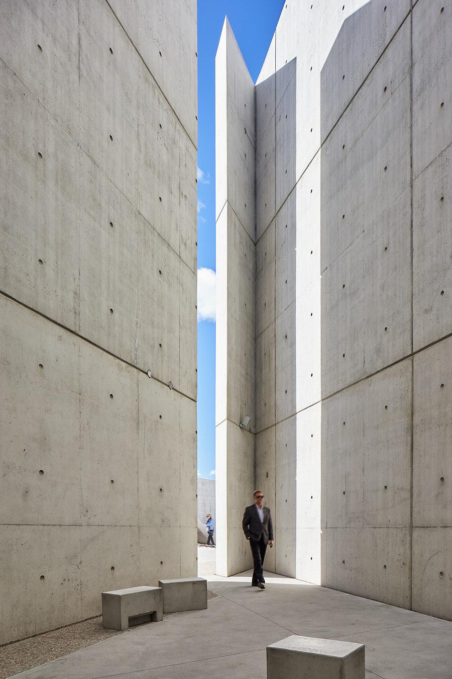 068-Libeskind-Holocaust-Monument.jpg