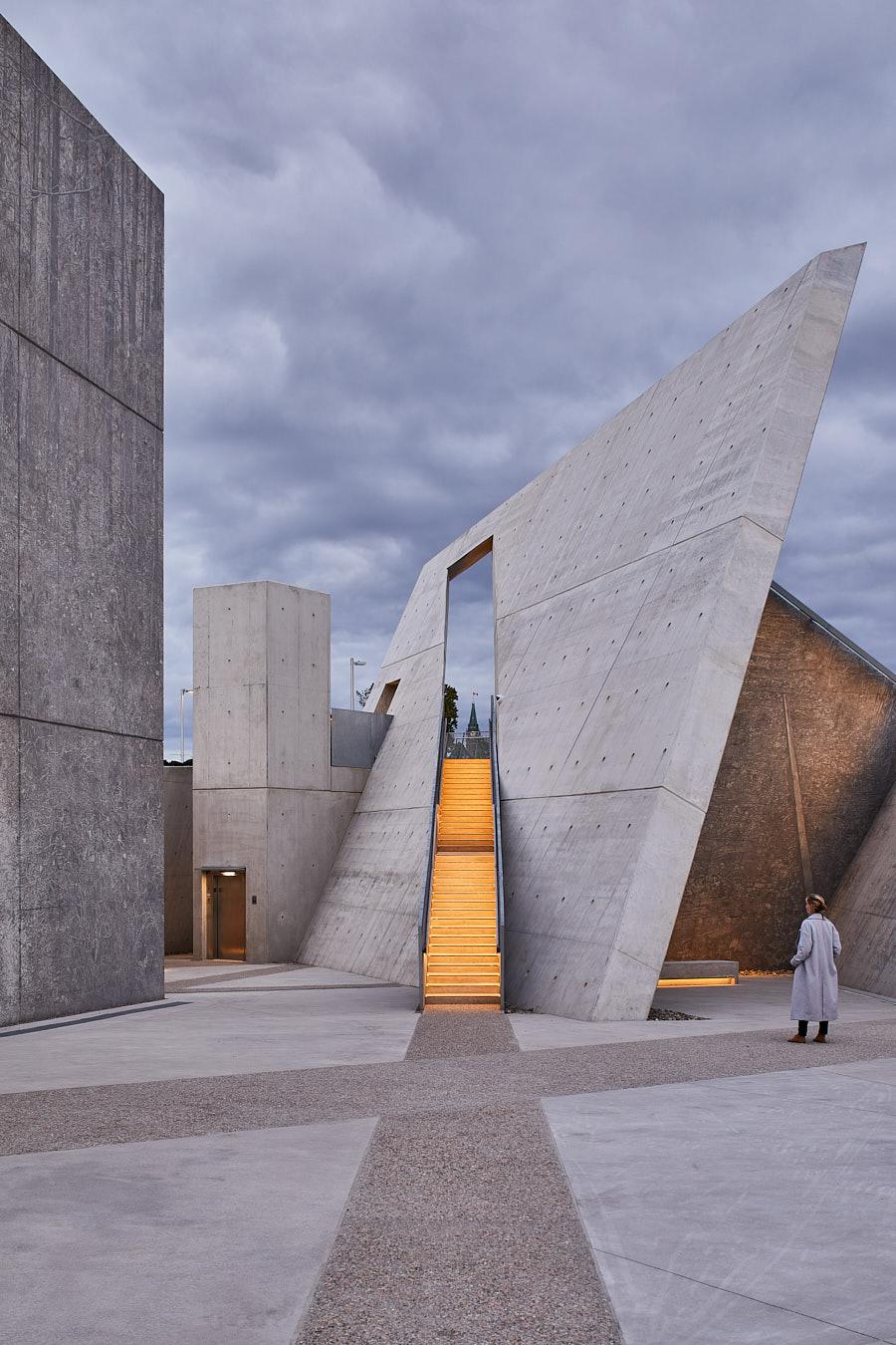 263-Libeskind-Holocaust-Monument.jpg