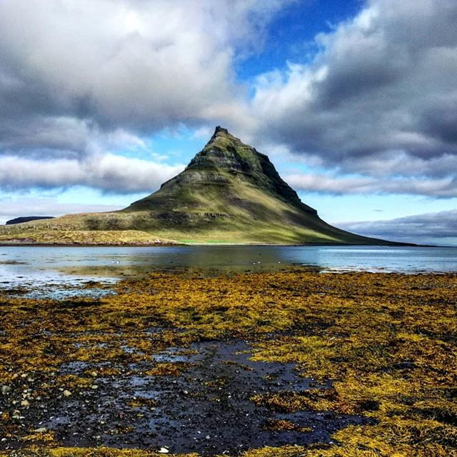 Mt. Kirkjufell 📸 by @maylinthearctic  #niceland  #welcometoniceland  #exploremore  #thegreatoutdoors