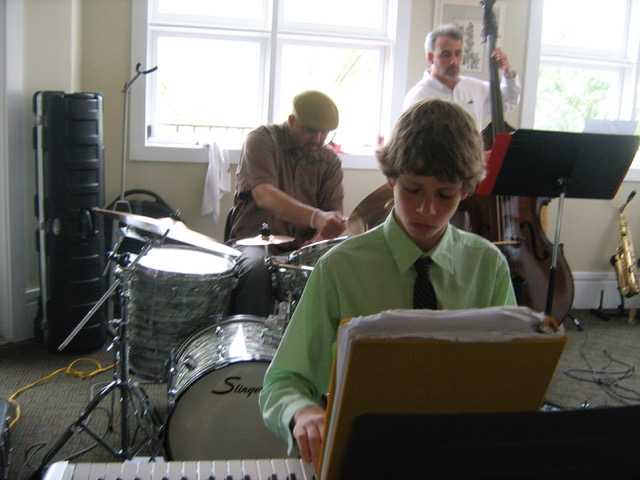Elijah has been gigging as a jazz pianist since age 12