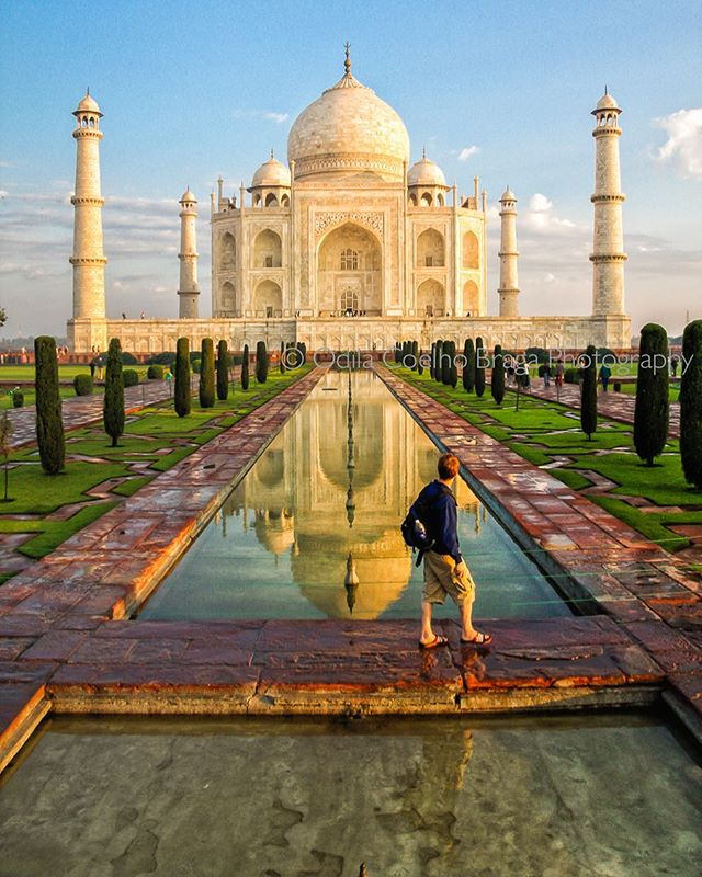 The majesty of Taj Mahal amazes all ages! . . . . #india #taj #tajmahal #canonglobal #canonphotographer #bluesky #blueskyday #reflection #pond #reflectiononwater #tourist #beingatourist #amazed