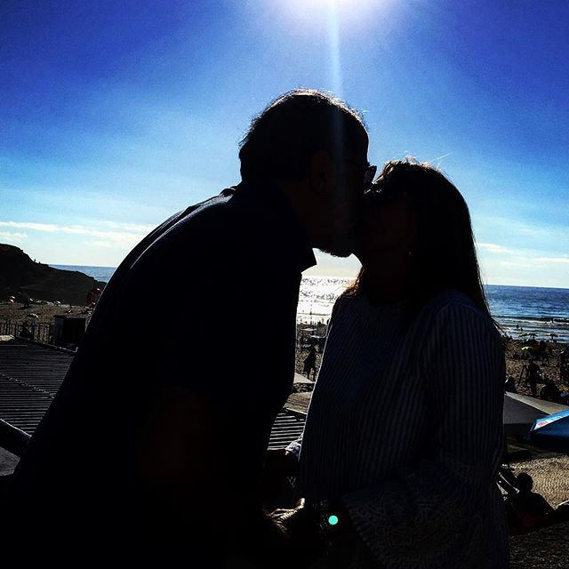It's all about love at Praia da Maçã ❤️ . . . #portugal #praiadasmaçãs #beach #bluesky #love #kisses