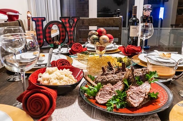 Wishing all my family and friends around the world a very happy Christmas!! I'm currently stateside hanging with the family but I really appreciate all the PMs wishing me well for 2019!! Squad goals is we all make it! So all my fellow creatives, LETS DO THIS!! #christmasdinner #techninjaproductions #ohyoufancyhuh