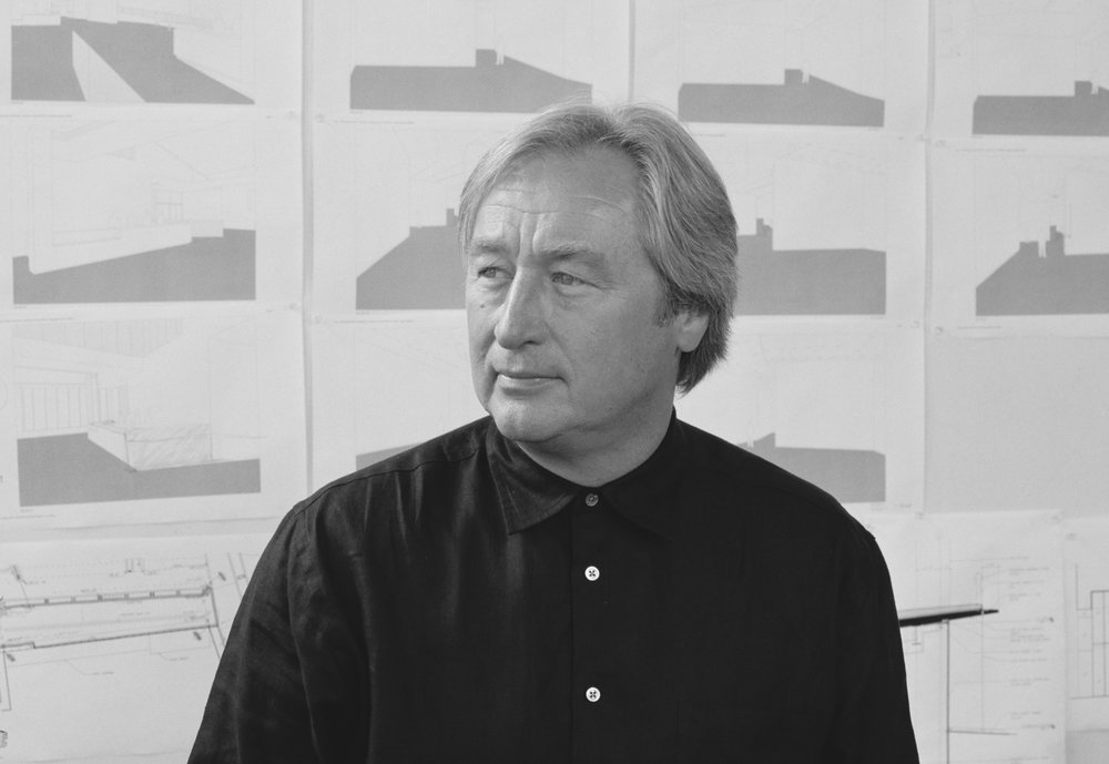 <b> Steven Holl</b> <br> Founder and Executive Director