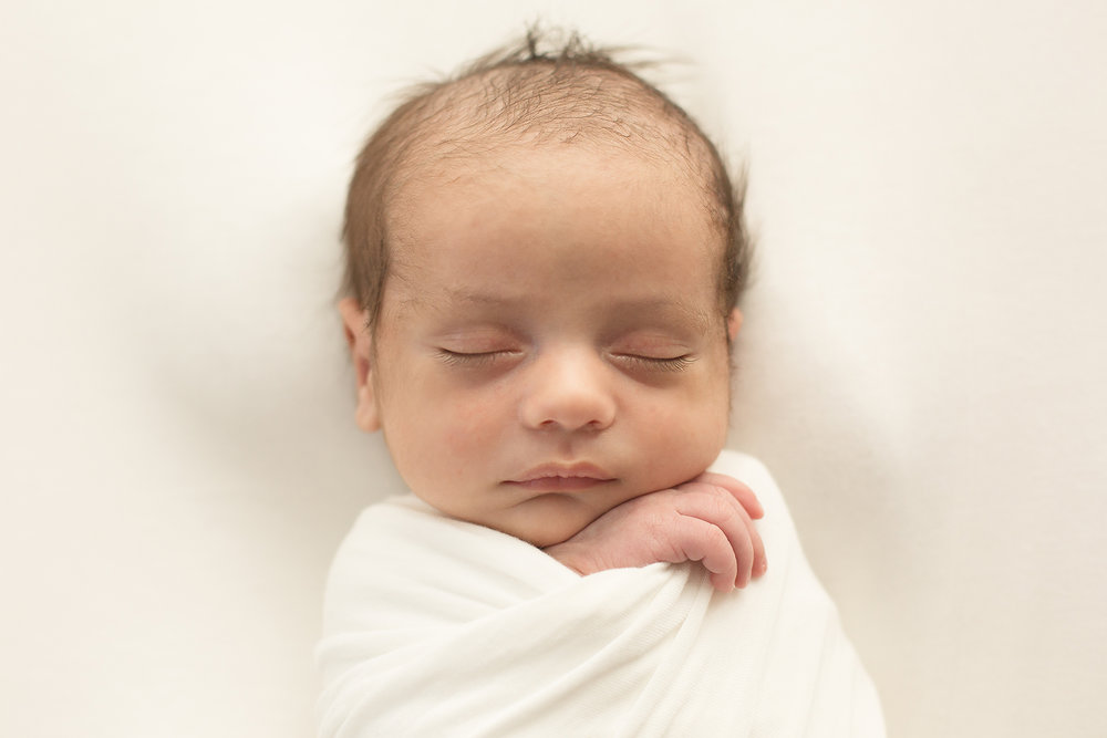 bethany-brinkworth-photography-natural-newborn-wrapped.jpg