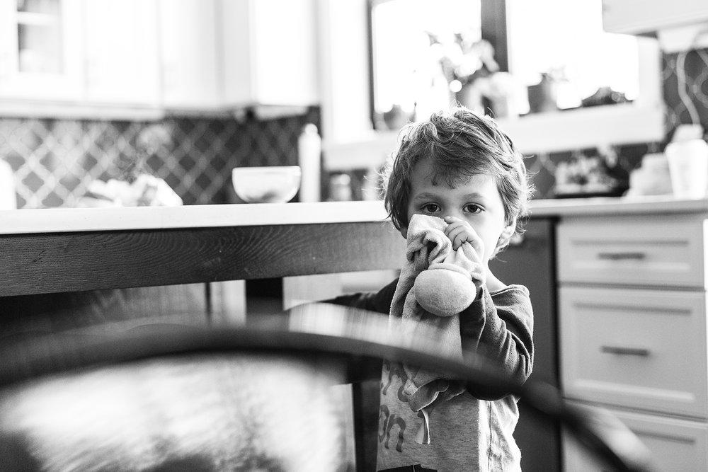bethany_brinkworth_photography-toddler-lovey-documentary.jpg