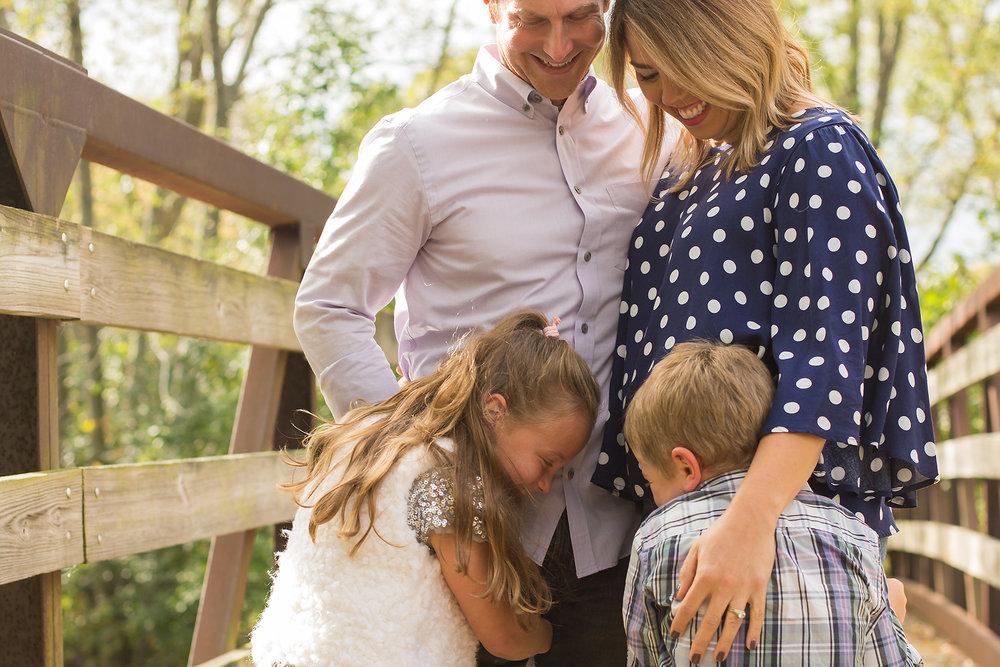 bethany-brinkworth-photography-family-hug.jpg
