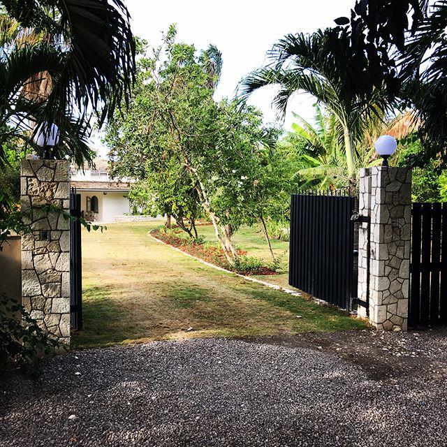 #construction #jamaicanarchitecture #kgn10architects #msrengineers #caribbeanarchitecture #St Ann Villa, Jamaica
