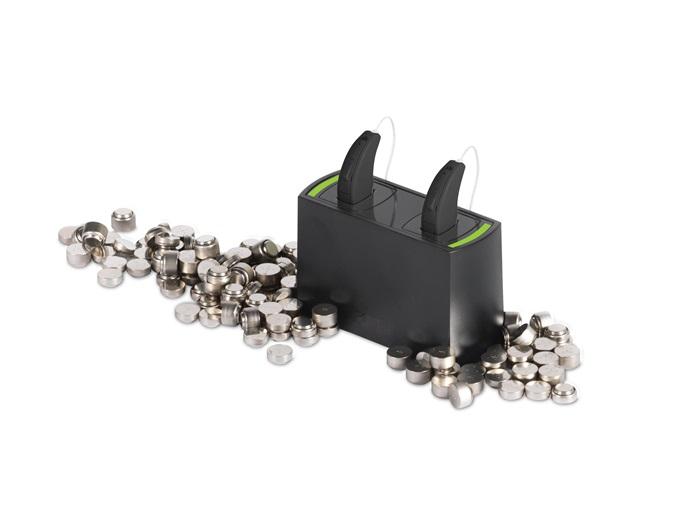 Se želite znebiti nadležnega menjavanja baterij? - Slušni aparati ReSound LiNX 3D so za polnjenje priročna in stroškovno ugodna rešitev. Brez potrebe za vsakodnevnim, nadležnim menjavanjem baterij ponuja izjemno kvaliteto zvoka ter povezljivost z napravami Apple in drugimi priljubljenimi napravami.