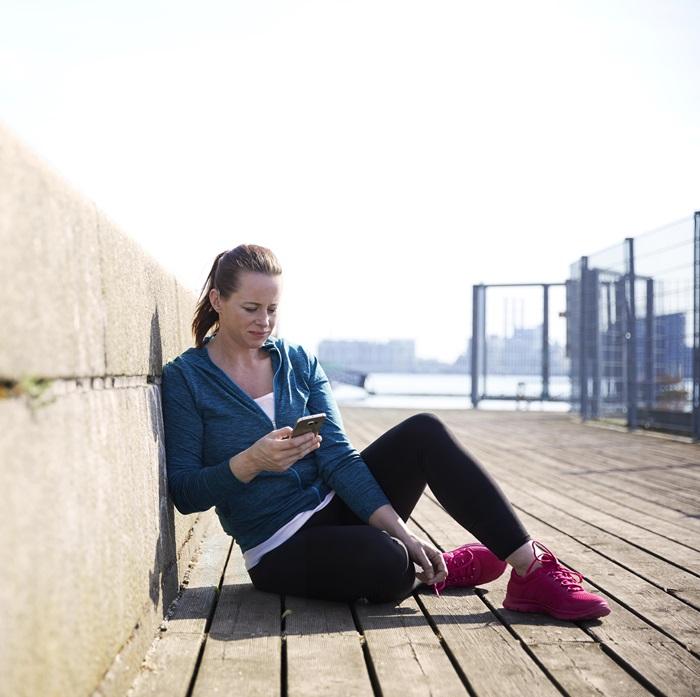 Upravljanje in nadzor na dosegu roke - Nova aplikacija ReSound Smart 3D ne omogoča le upravljanje z glasnostjo, temveč tudi z nizkimi in visokimi toni. Z njeno pomočjo lahko tudi shranite nastavitve, ki so prilagojene za kraje, na katerih se pogosto zadržujete. Aplikacija bo s pomočjo GPS spoznala, da ste prišli na priljubljen kraj, ter nastavila slušni aparat v prilagojene nastavitve kar sama.