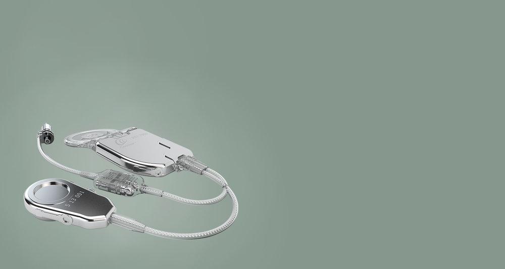 Vsadki prihodnostiCarina - Cochlear Carina je v celoti vsajen vsadek srednjega ušesa. Od slušnih aparatov ter ostalih procesorjev se razlikuje predvsem po tem, da je vsa tehnologija skrita pod kožo. Carina je 100% nevidna, vsajenost pod kožo pa prinaša še vrsto drugih koristnih učinkov na življenje s slušnim vsadkom.