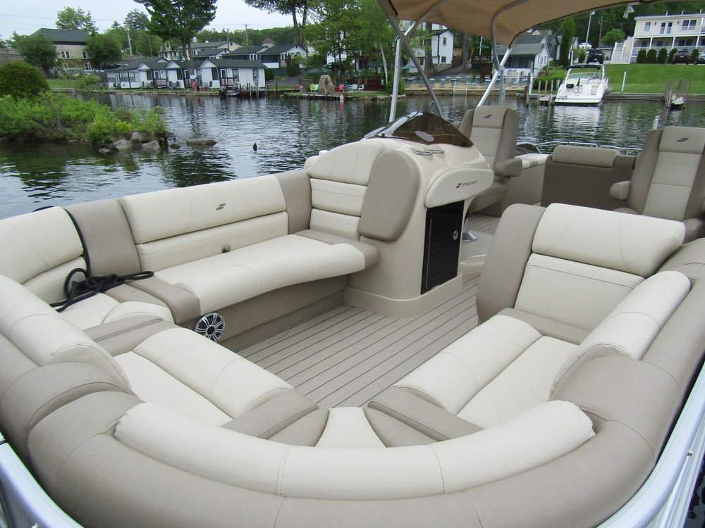 2018 Starcraft MX25 Tritoon Bow Seating2jpg.jpg