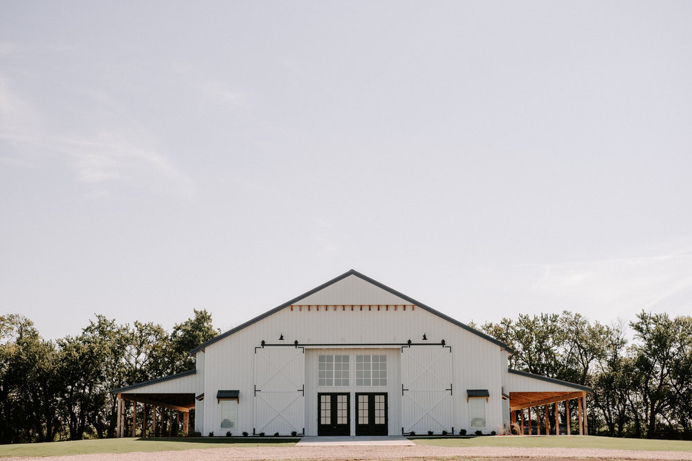 The-Barn-at-Grace-Hill-Wichita-Wedding-Venue-23.jpg