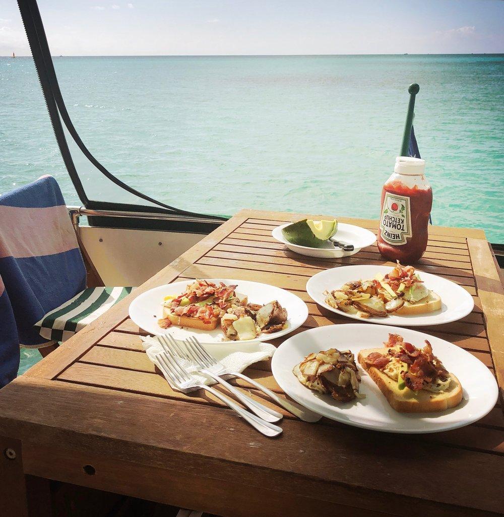Open Air Places - Yacht SLAINTE on Grand Bahama Island