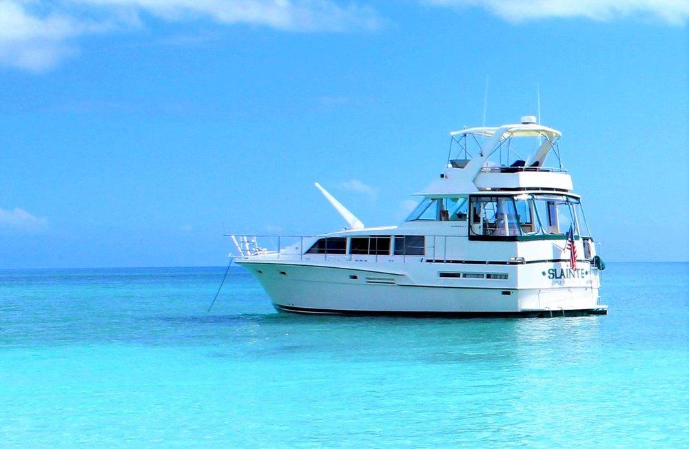 Open Air Places - Yacht SLAINTE Grand Bahama Island 1.jpg