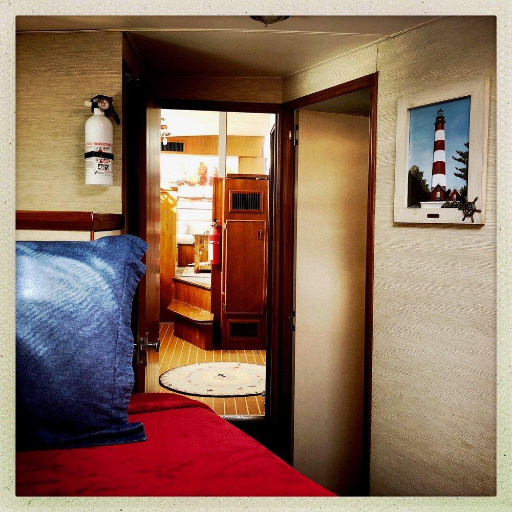 Open Air Places - Yacht SLAINTE Grand Bahama Island 14.JPG