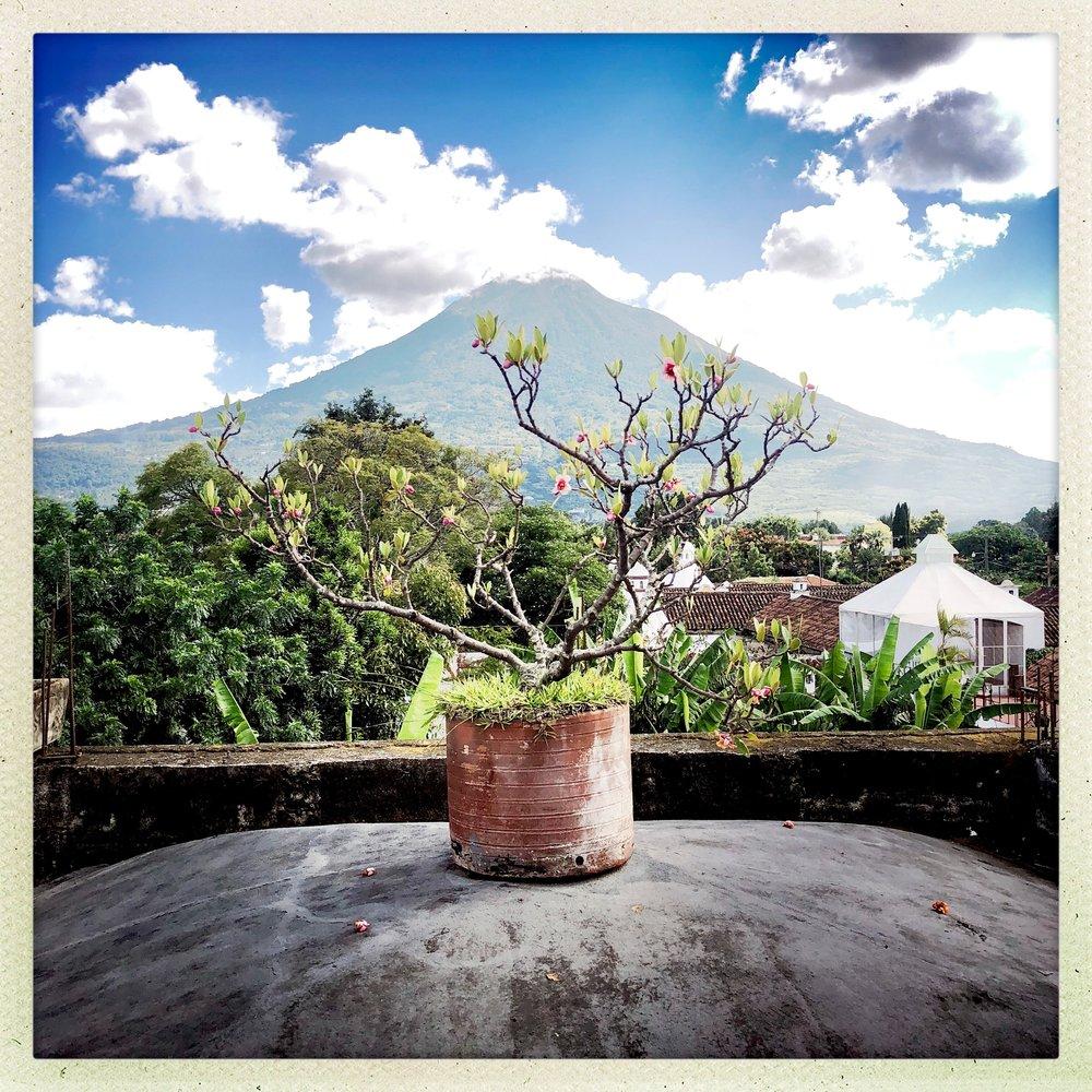 TRAVEL GUIDE - ANTIGUA, GUATEMALA