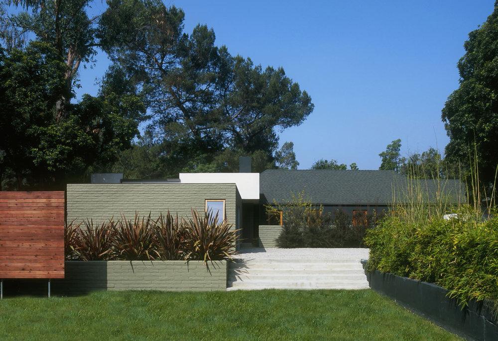 cornwall-modern-exterior3.jpg