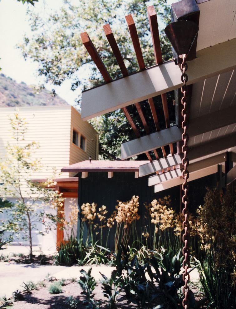 mandeville-modern-exterior4.jpg
