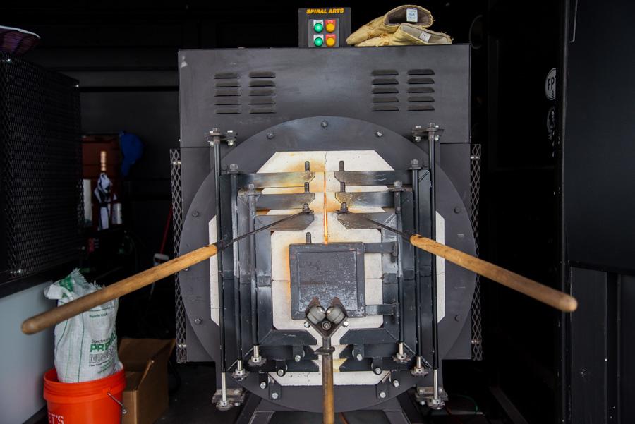 Glassmaking oven