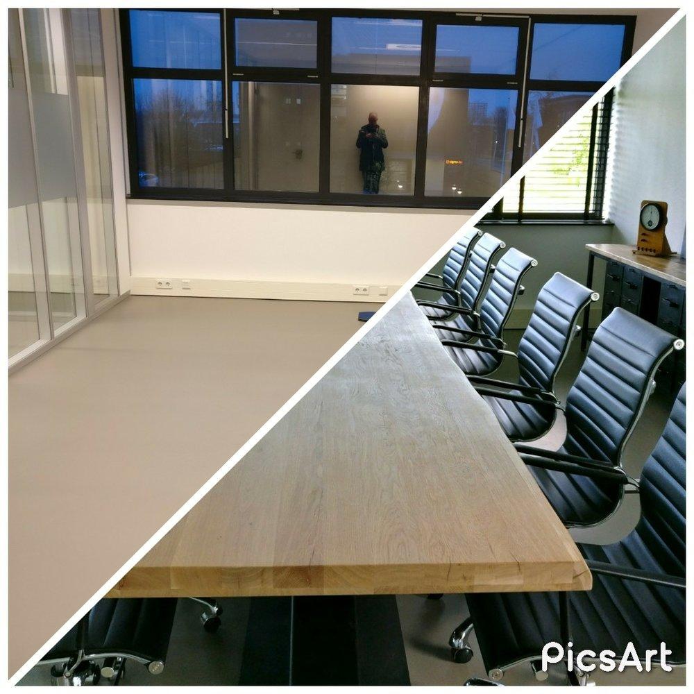moderne kantoorruimte licht vergaderruimte boomstamtafel eames chair planten voor en na before after (2).jpg