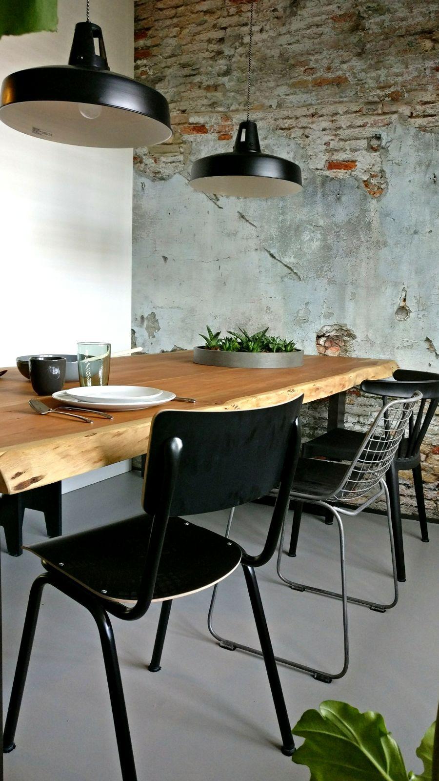 appartement nieuwbouw industrieel stoer boomstam tafel eettafel zwarte keuken eiken keuken planten urban jungle (2).jpg